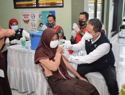 Kejar Target 70 Persen, Lamongan Peringkat Tertinggi di Jatim Vaksinasi Harian