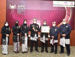 Wujudkan Komitmen Kesetaraan Gender, Pemkab Lamongan Terima Penghargaan APE